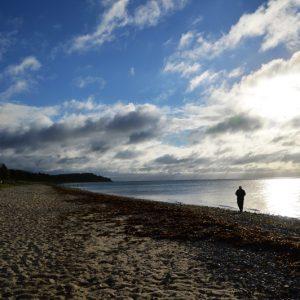 Walking on the beach- Foto af stranden taget af billeder4you