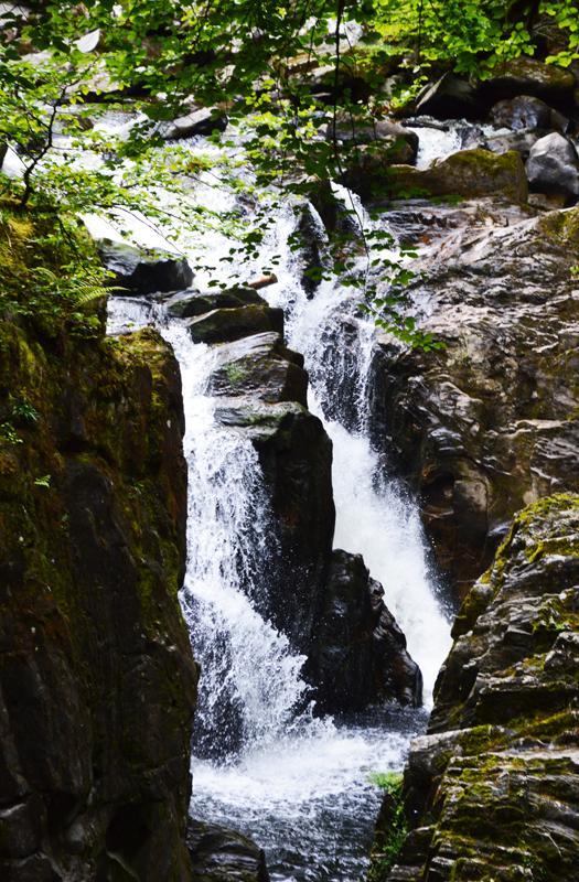 Et smukt vandfald i Skotland taget af billeder4you